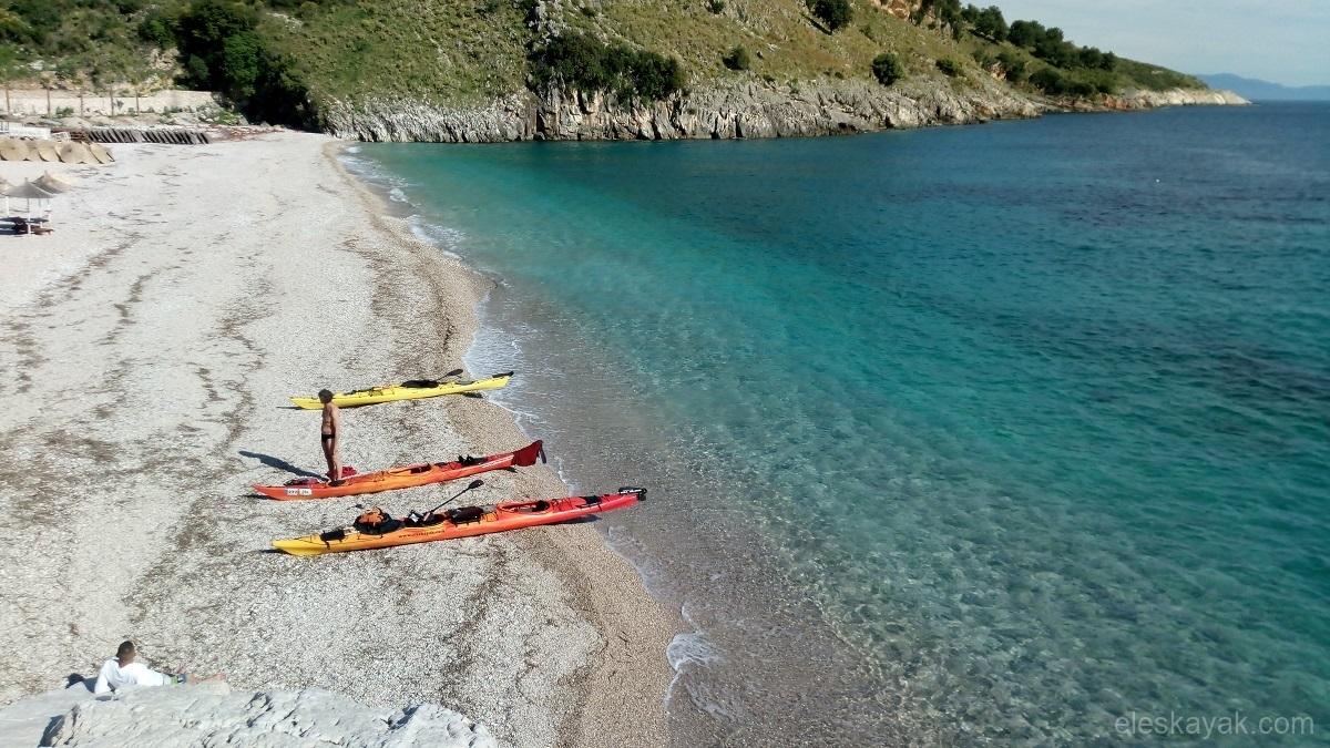 Tengeri kajak Albánia